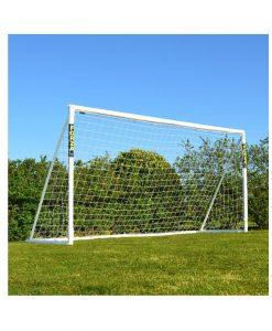 Футболна врата с мрежа